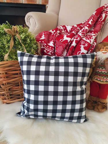 Black & white checkered buffalo Christmas cushion.