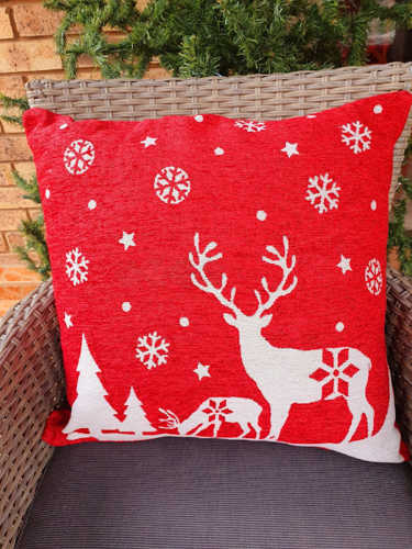 Reindeer with snowflakes red cushion