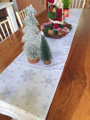 Grey snowflakes table runner