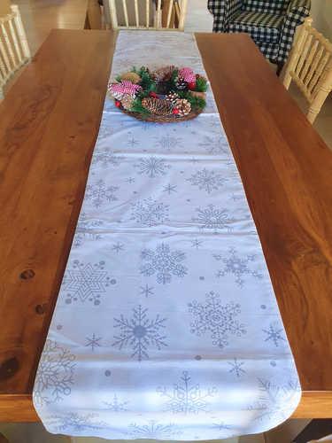 Grey snowflakes table runner.
