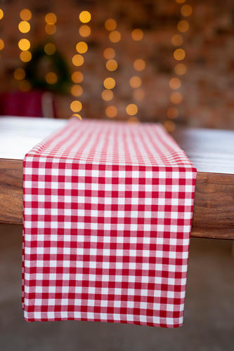 Red & white gingham checkered tablecloth