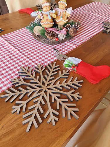 Wooden snowflake placemat