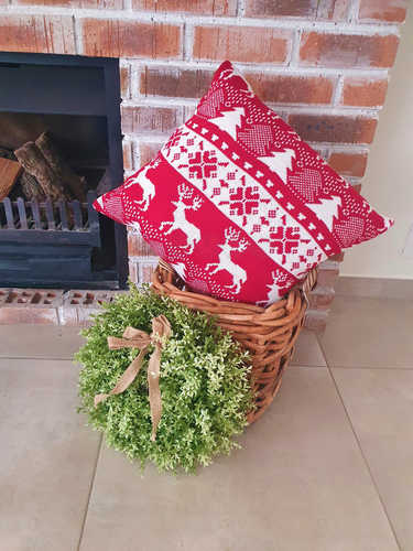 Red & white knitted Christmas cushion